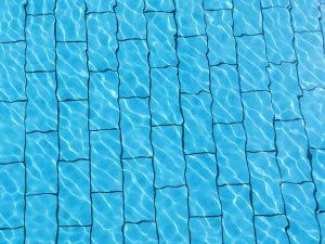 swimming-pool-816394_960_720